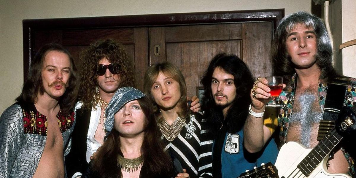 Portrait of English rock group Mott the Hoople, London, England, 1973. (Photo by George Wilkes/Hulton Archive/Getty Images)