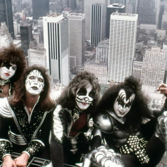 KISS vs Empire State Building