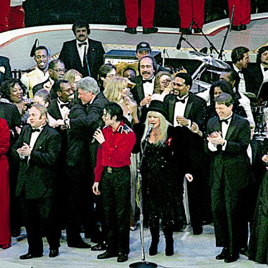 Fleetwood Mac close Bill Clinton's inaugural gala, 1993