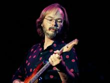 Walter Becker of Steely Dan performs at Chastain Park Amphitheater in Atlanta Georgia 2006 (Photo By Rick Diamond/Getty Images)
