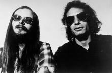 "APRIL 1978: Walter Becker and Donald Fagen of ""Steely Dan"" pose for a portrait in April 1978. (Photo by Michael Ochs Archives/Getty Images)"