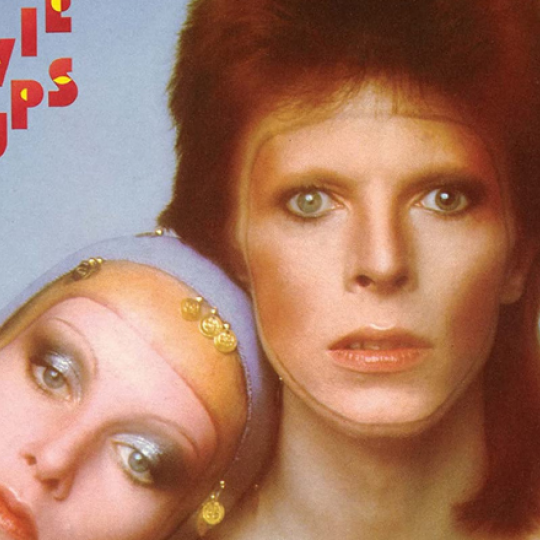 Bowie and Twiggy on the 'Pin Ups' cover
