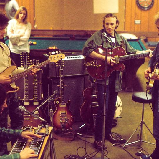 Manassas in rehearsal. L-R: Al Perkins, Chris Hillman, Stephen Stills, Bernie Leadon